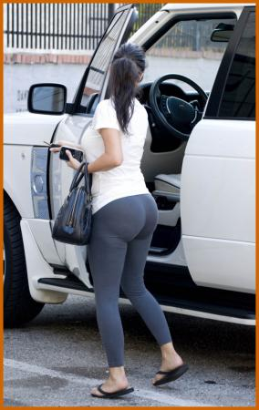 http://www.platinum-celebs.com/messageboard/images/25Sep08-968018074.jpg