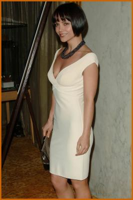 http://www.platinum-celebs.com/messageboard/images/26Jan08-1683437341.jpg