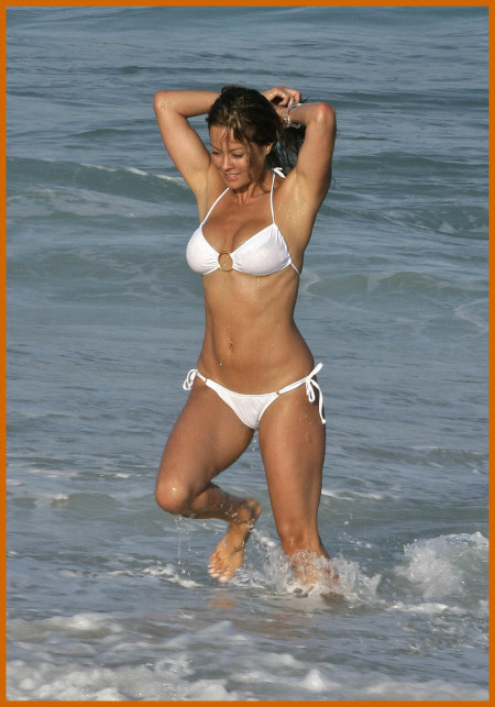 http://www.platinum-celebs.com/messageboard/images/tn_11Jun07-53766444.jpg