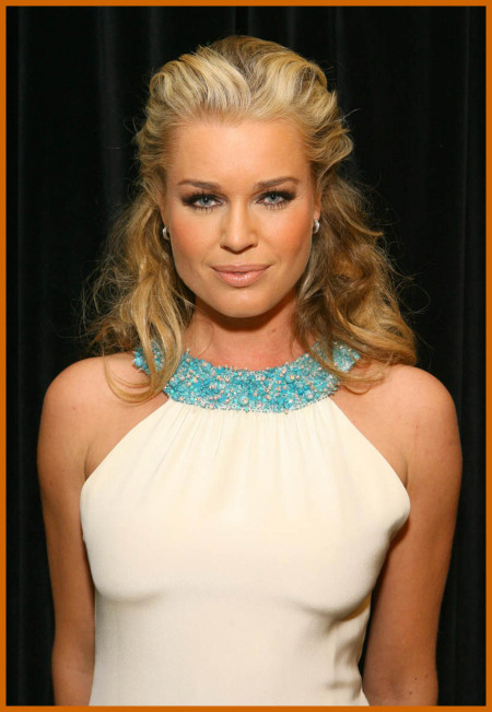 http://www.platinum-celebs.com/messageboard/images/tn_17Apr07-28366.jpg
