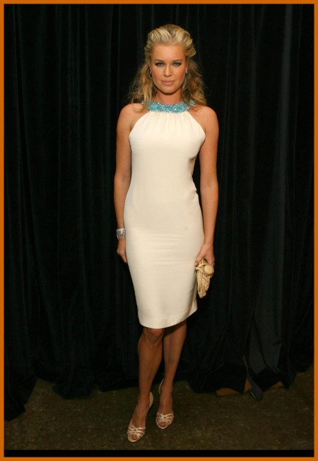http://www.platinum-celebs.com/messageboard/images/tn_17Apr07-48620.jpg