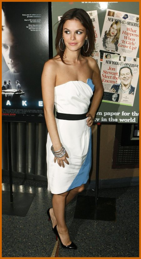 http://www.platinum-celebs.com/messageboard/images/tn_19Nov07-1042345849.jpg