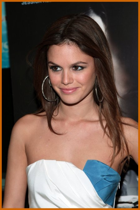 http://www.platinum-celebs.com/messageboard/images/tn_19Nov07-2066172959.jpg