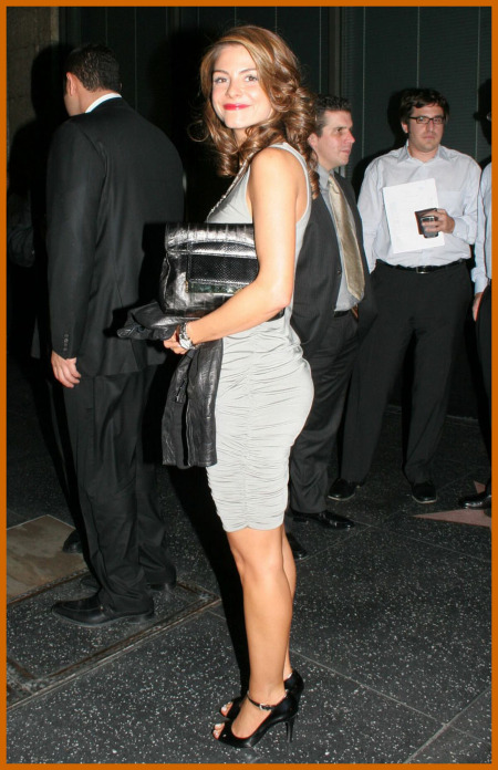 http://www.platinum-celebs.com/messageboard/images/tn_19Nov07-29926723.jpg