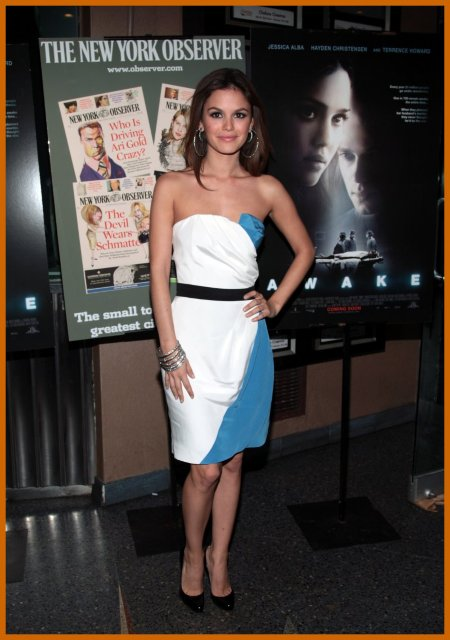 http://www.platinum-celebs.com/messageboard/images/tn_19Nov07-402012286.jpg