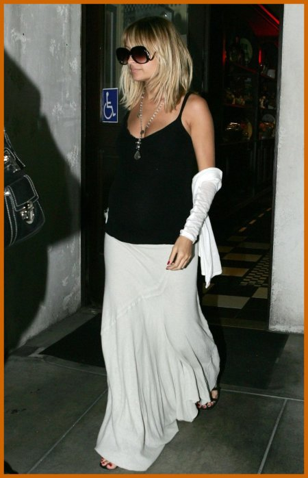 http://www.platinum-celebs.com/messageboard/images/tn_22Nov07-320743878.jpg