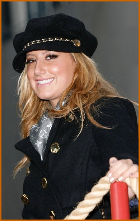 http://www.platinum-celebs.com/messageboard/images/tn_24Nov07-1639652898.jpg