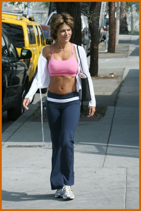 http://www.platinum-celebs.com/messageboard/images/tn_26Nov07-1056923208.jpg
