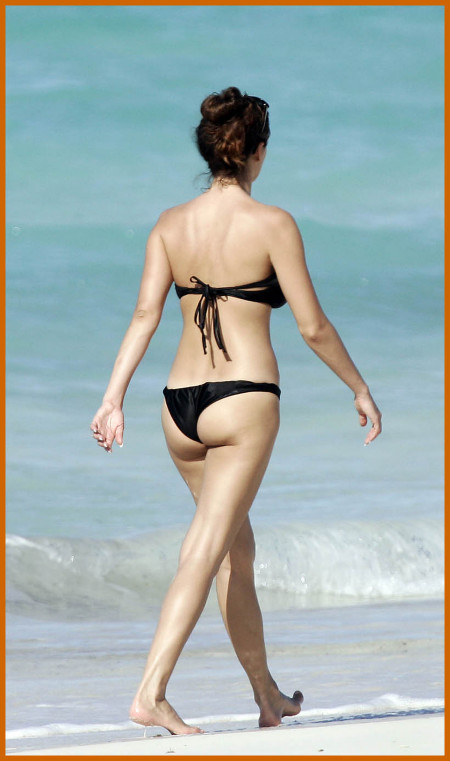 http://www.platinum-celebs.com/messageboard/images/tn_27Jan07-73952.jpg