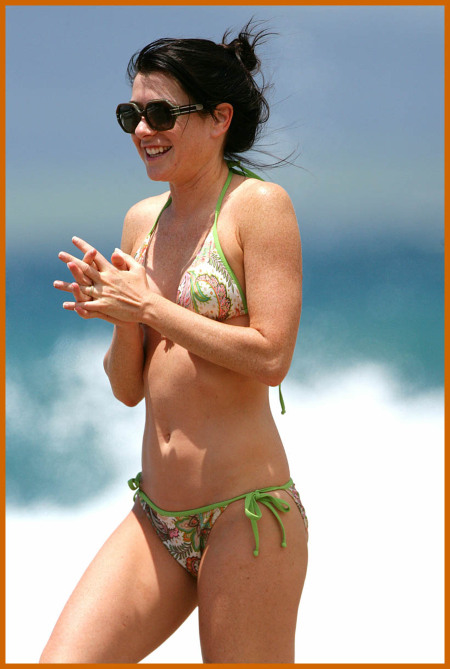 http://www.platinum-celebs.com/messageboard/images/tn_28Apr07-870201015.jpg