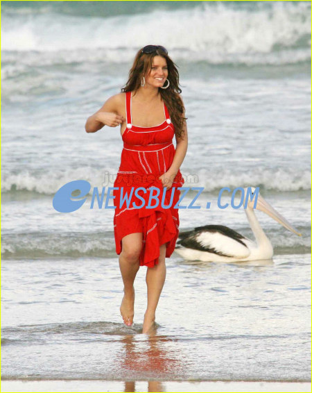 http://www.platinum-celebs.com/messageboard/images/tn_5Apr07-71437.jpg