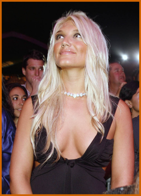 http://www.platinum-celebs.com/messageboard/images/tn_7Feb07-42064.jpg