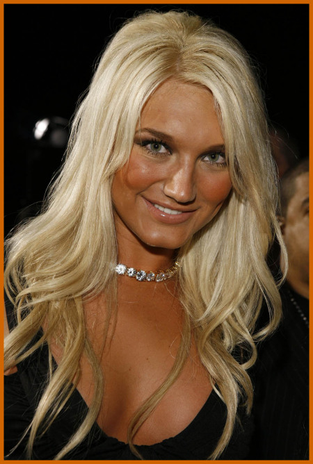 http://www.platinum-celebs.com/messageboard/images/tn_7Feb07-75252.jpg