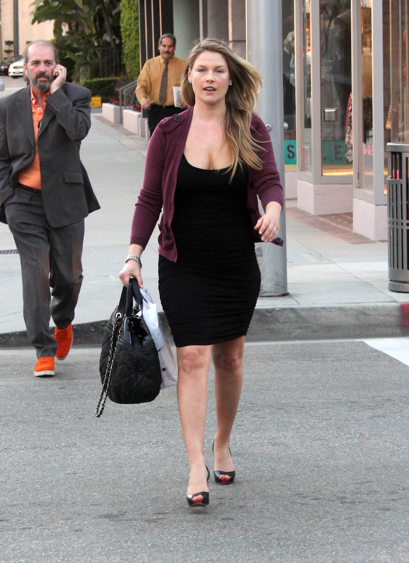 Ali Larter And Her New Mommy Cleavage @ Platinum-celebs.com