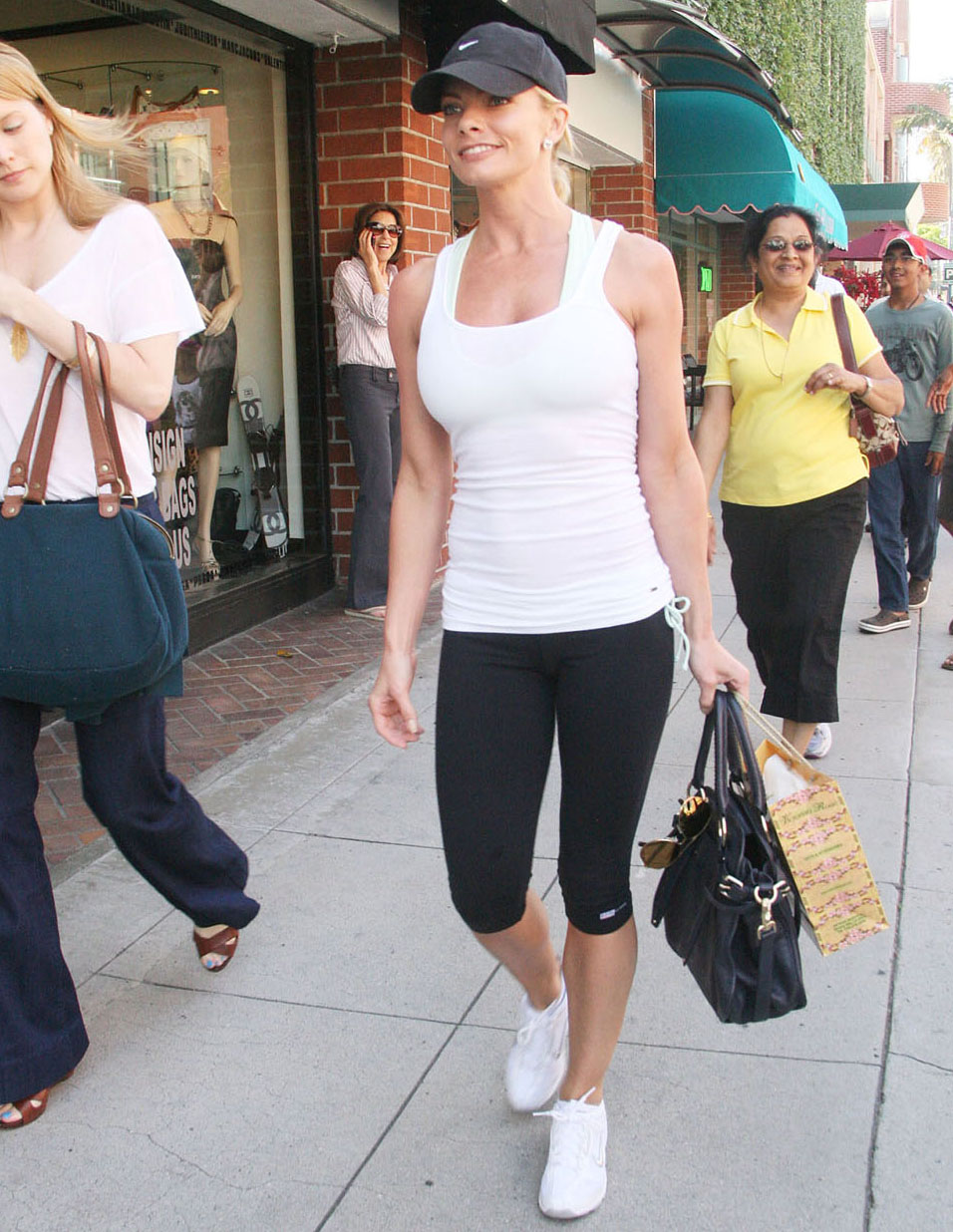 big 29April2011 jaime pressly leggins Phone Number : +218 21 719 1004