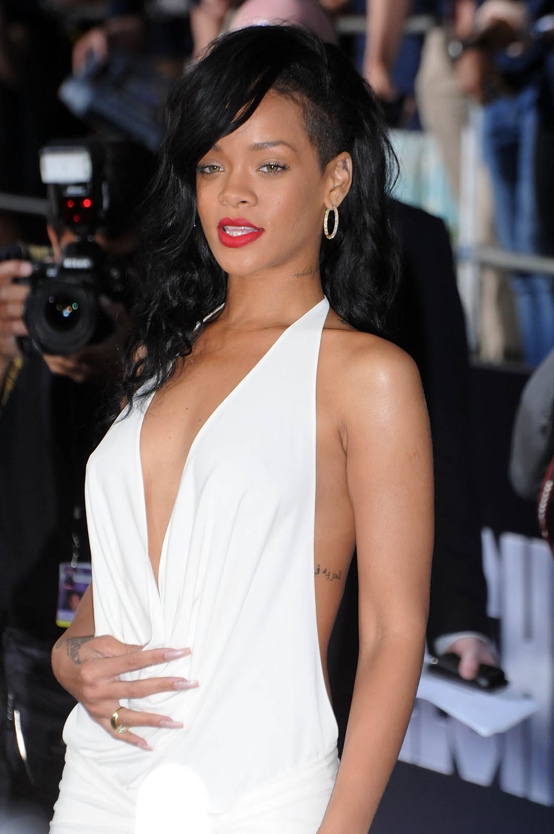 Rihanna Is Pretty Much Naked Right? @ Platinum-celebs.com